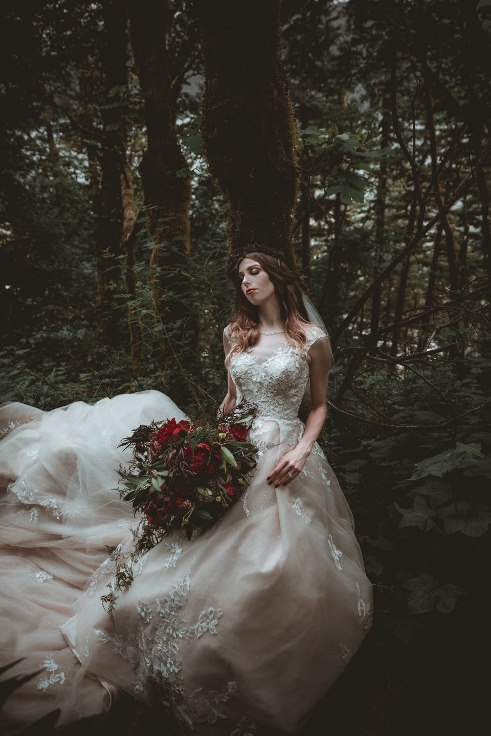 sophisticated floral designs portland oregon wedding florist dark bridal bouquet oregon elopement