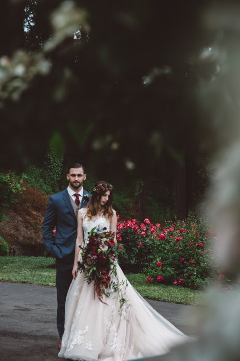 sophisticated floral designs portland oregon wedding florist dark and moody wedding flowers