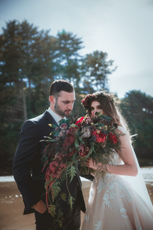 sophisticated floral designs portland oregon wedding florist portland oregon elopement flowers bridal bouquet moody wedding flowers