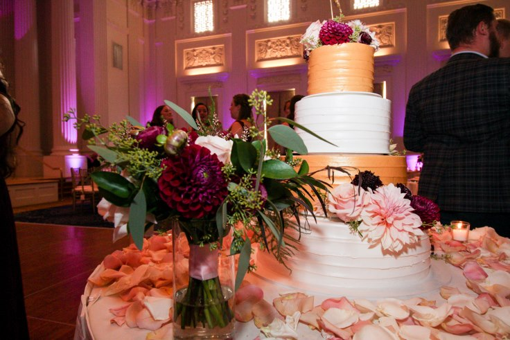 sophisticated floral designs portland oregon wedding florist sentinel hotel george street photo bridal bliss wedding planning lambs wedding cake