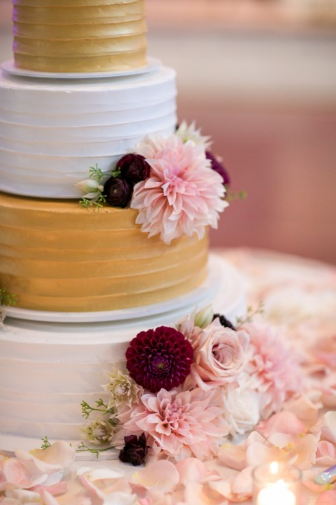 sophisticated floral designs portland oregon wedding florist sentinel hotel george street photo bridal bliss wedding planning wedding cake flowers lambs