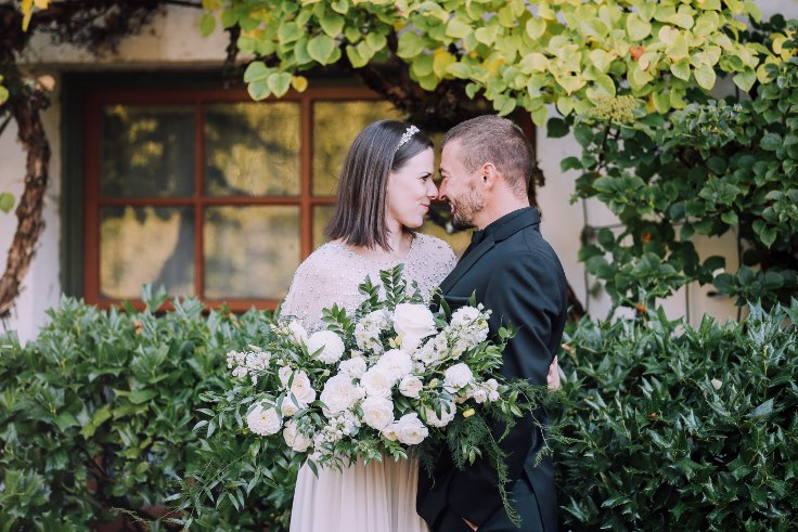 sophisticated floral designs portland oregon wedding florist mcmenamins edgefield spotted stills photography (22) (736x491).jpg