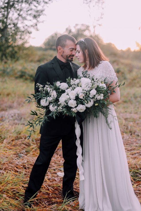 sophisticated floral designs portland oregon wedding florist mcmenamins edgefield spotted stills photography large oversized white bridal bouquet