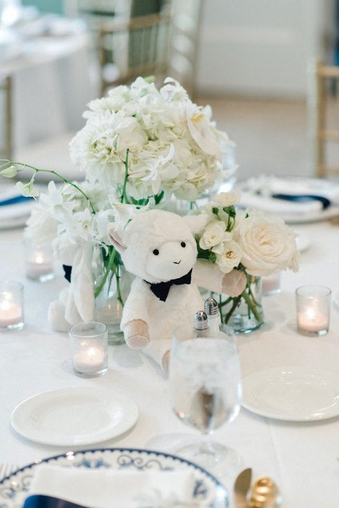 sophisticated floral  bridal bliss baby shower floral design Lauryn_Kay_Photography_Portland_Waverley_country club (31) (491x736).jpg