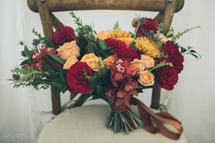 sophisticated floral designs portland oregon wedding florist oregon golf club aniko productions fall bridal bouquet burgundy gold copper