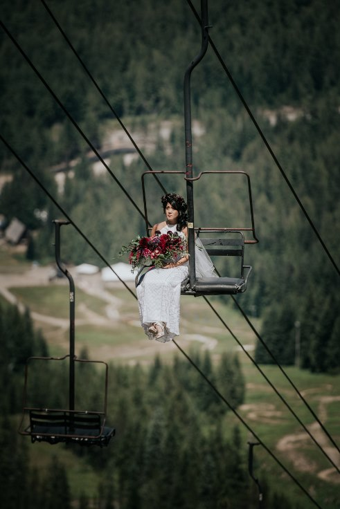 sophisticated floral designs portland oregon wedding florist powers photography mt hood wedding ski bowl (4) (491x736).jpg