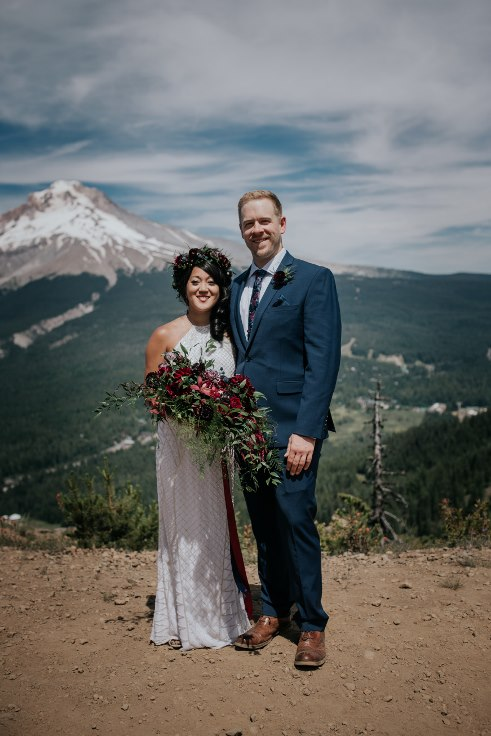 sophisticated floral designs portland oregon wedding florist powers photography mt hood wedding ski bowl (13) (491x736).jpg