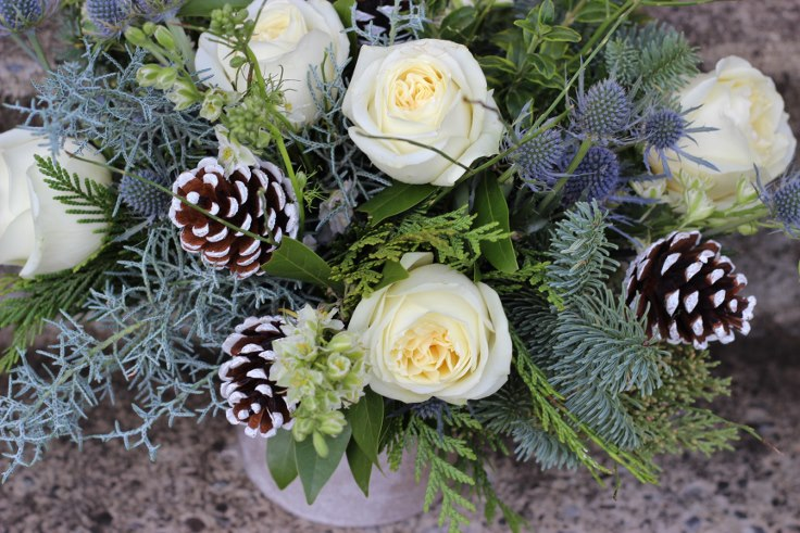 sophisticated floral designs portland oregon christmas flowers winter arrangement (2) (736x491).jpg