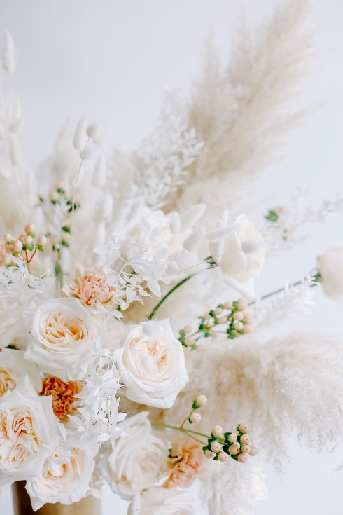 sophisticated floral designs portland oregon wedding florist spotted still photography boho modern fine art pampas  grass bleached flowers (3) (490x735).jpg