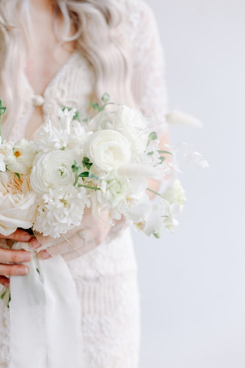 sophisticated floral designs portland oregon wedding florist spotted still photography boho modern fine art pampas  grass bleached flowers (10) (490x735).jpg