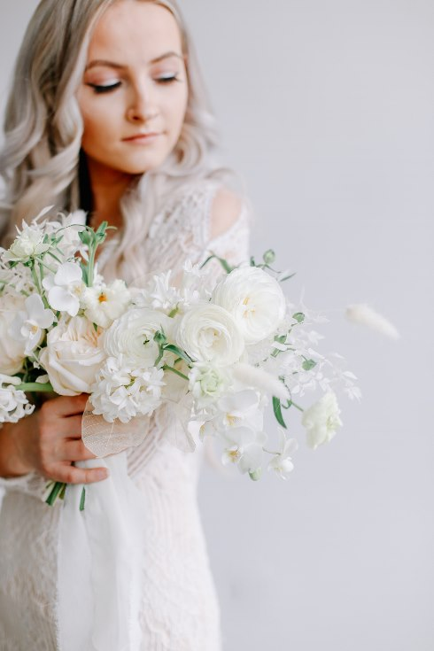 sophisticated floral designs portland oregon wedding florist spotted still photography boho modern fine art pampas  grass bleached flowers (22) (490x735).jpg
