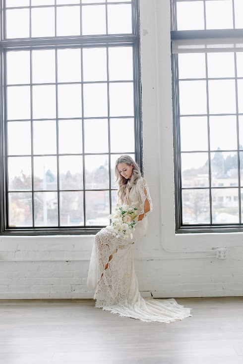 sophisticated floral designs portland oregon wedding florist spotted still photography boho modern fine art pampas  grass bleached flowers (47) (490x735).jpg