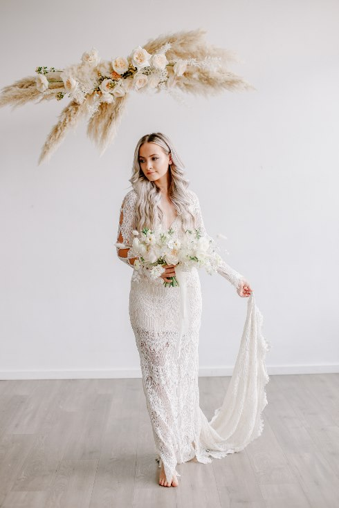 sophisticated floral designs portland oregon wedding florist spotted still photography boho modern fine art pampas  grass bleached flowers (100) (490x735).jpg