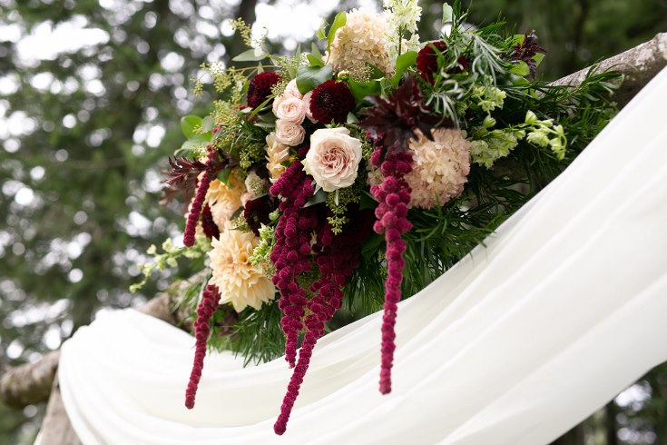 sophisticated floral designs portland oregon wedding florist riverview restaurant (14) (735x490).jpg