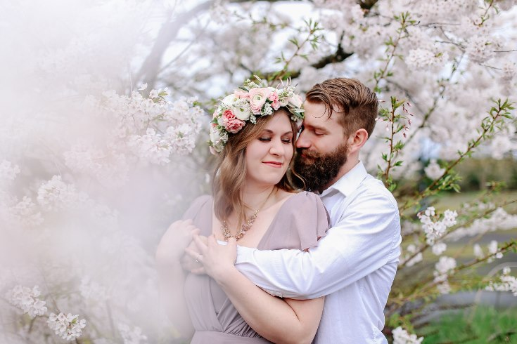 sophisticated floral designs portland oregon wedding florist floral crown halo head wreath blush mauve spotted stills photography (16) (735x490).jpg