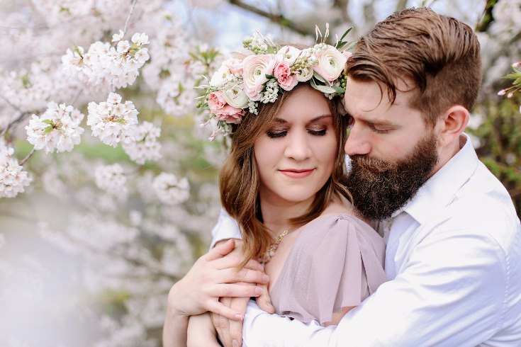 sophisticated floral designs portland oregon wedding florist floral crown halo head wreath blush mauve spotted stills photography (20) (735x490).jpg