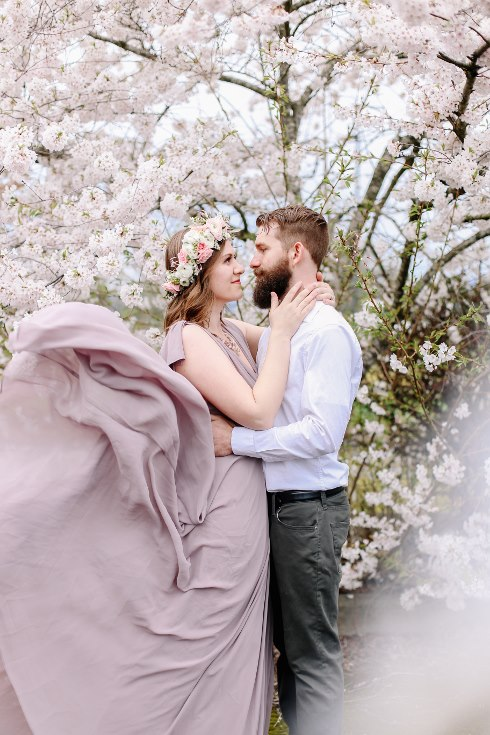 sophisticated floral designs portland oregon wedding florist floral crown halo head wreath blush mauve spotted stills photography (28) (490x735).jpg