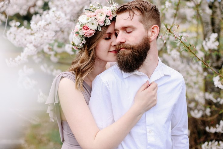 sophisticated floral designs portland oregon wedding florist floral crown halo head wreath blush mauve spotted stills photography (36) (735x490).jpg