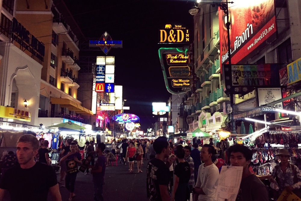 Walk Khao San Road