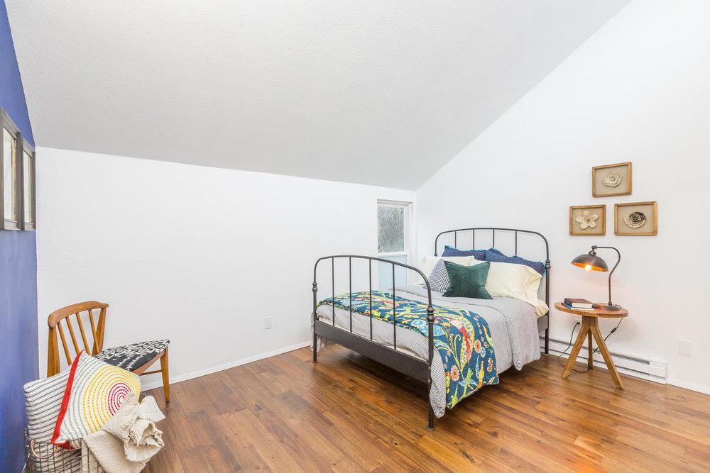 13896 NE 66th St Redmond WA-large-024-20-Bedroom-1500x1000-72dpi.jpg