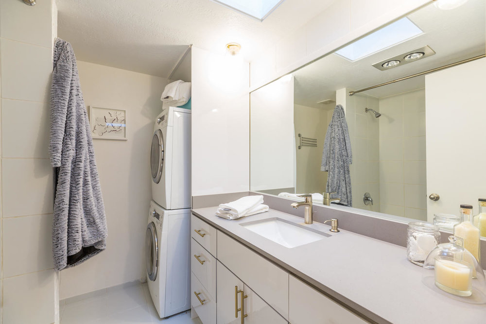 13896 NE 66th St Redmond WA-large-025-10-Bathroom-1500x1000-72dpi.jpg