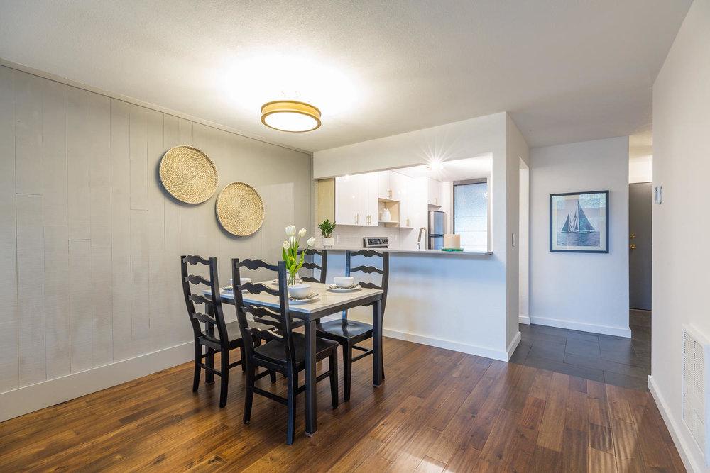13896 NE 66th St Redmond WA-large-013-36-Dining Room-1500x1000-72dpi.jpg