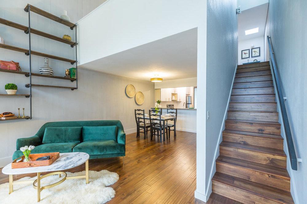 13896 NE 66th St Redmond WA-large-009-25-Living Room-1500x1000-72dpi.jpg