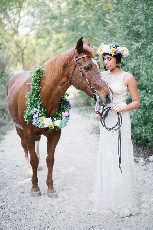 Lisa Petersen Veil&Vine / Bohemian Spring Easter Bride