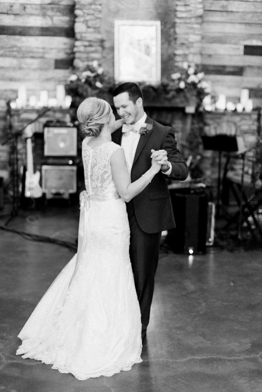 big-sky-barn-wedding-houston-wedding-photographer-featured-magazine-houston-film-photographer-austin-wedding-photographer-39-2.jpg