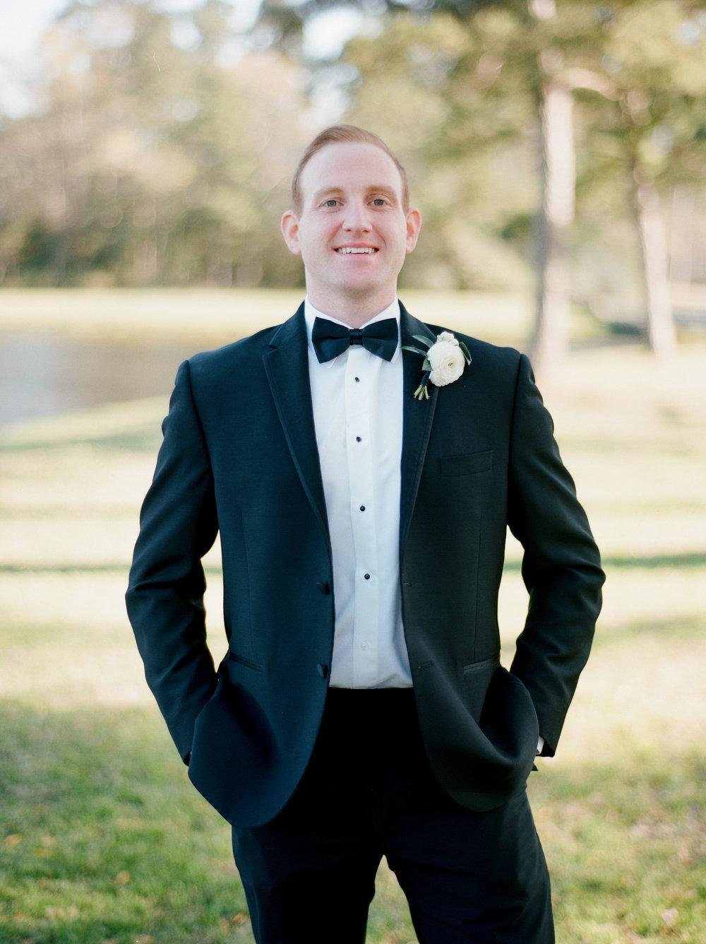 Houston-Wedding-Photographer-Style-Me-Pretty-St-Anne-Catholic-Church-Wedding-The-Woodlands-Country-Club-Palmer-Course-Austin-Wedding-photographer-fine-art-film-15.jpg