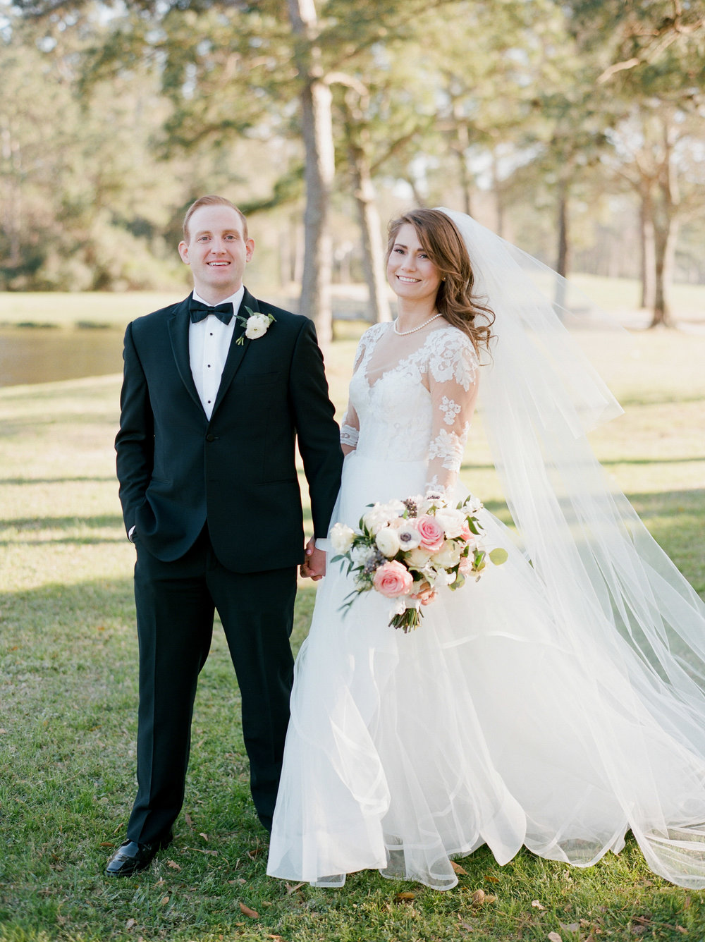 Houston-Wedding-Photographer-Style-Me-Pretty-St-Anne-Catholic-Church-Wedding-The-Woodlands-Country-Club-Palmer-Course-Austin-Wedding-photographer-fine-art-film-21.jpg