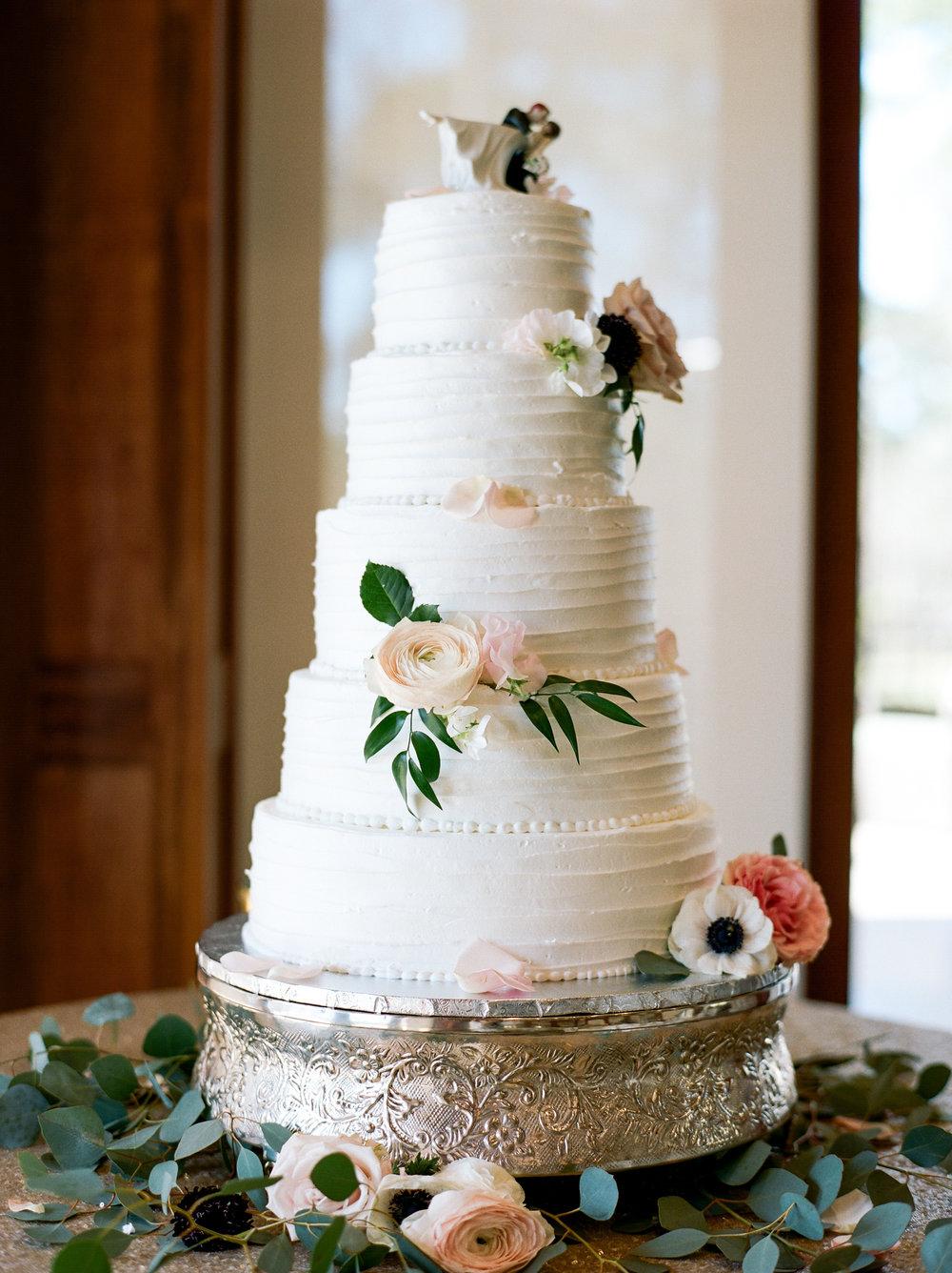 Houston-Wedding-Photographer-Style-Me-Pretty-St-Anne-Catholic-Church-Wedding-The-Woodlands-Country-Club-Palmer-Course-Austin-Wedding-photographer-fine-art-film-28.jpg