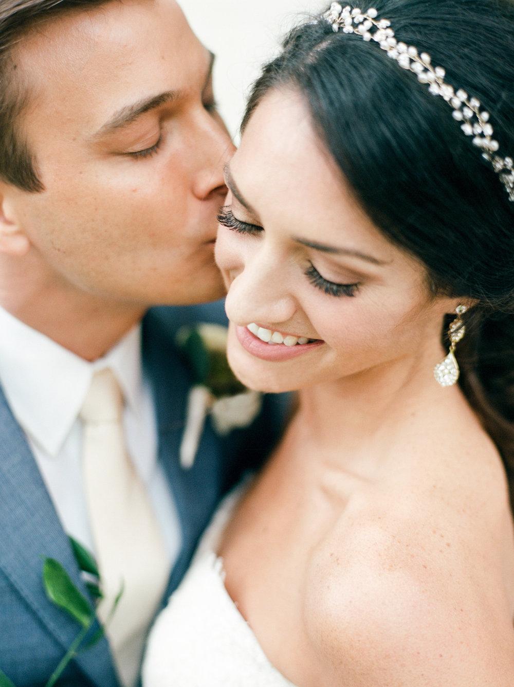 Briscoe-Manor-Houston-Wedding-Photographer-Modern-Luxury-Weddings-Dana-Fernandez-Photograpy-Fine-Art-Photographer-Houston-Film-Destination-PNW-Wedding-Photographer-10.jpg
