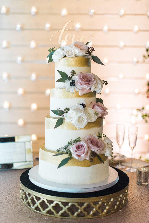 Briscoe-Manor-Houston-Wedding-Photographer-Modern-Luxury-Weddings-Dana-Fernandez-Photograpy-Fine-Art-Photographer-Houston-Film-Destination-PNW-Wedding-Photographer-15.jpg
