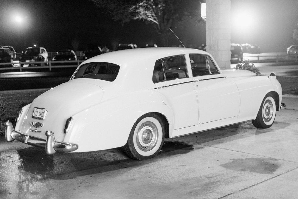 Briscoe-Manor-Houston-Wedding-Photographer-Modern-Luxury-Weddings-Dana-Fernandez-Photograpy-Fine-Art-Photographer-Houston-Film-Destination-PNW-Wedding-Photographer-19.jpg