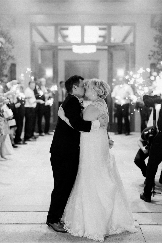 Houston-Wedding-Photographer-Fine-Art-Film-Destination-Style-Me-Pretty-Austin-Dallas-New-Orleans-Dana-Fernandez-Photography-The Woodlands-Country-Club-40.jpg