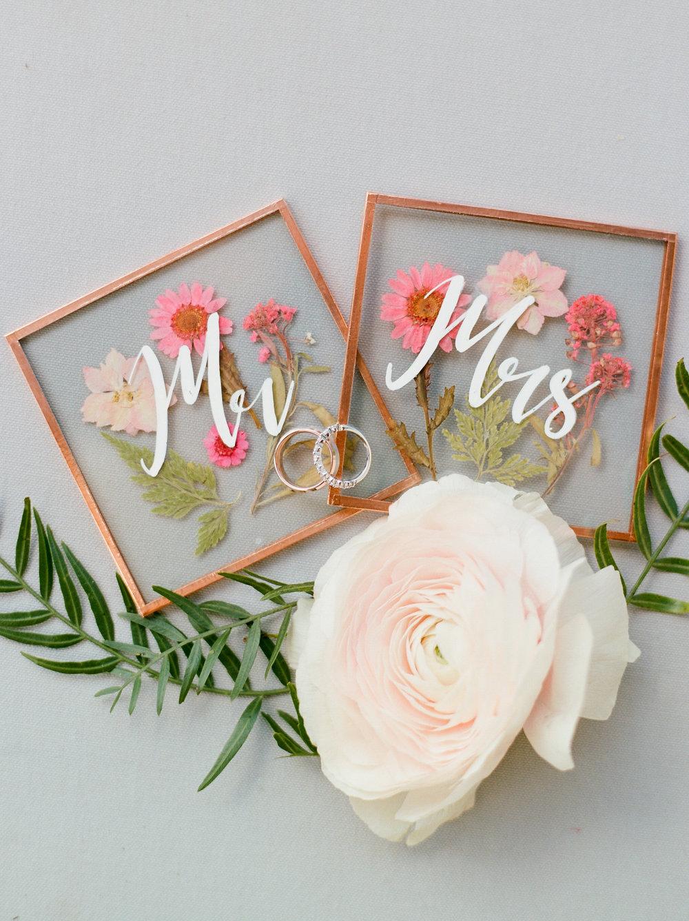 Florals: Flower Vibes, Styling: Dana Fernandez