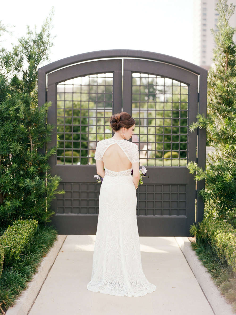mcgovern-centennial-gardens-wedding-houston-wedding-photographer-bridals-film-austin-wedding-photographer-8.jpg