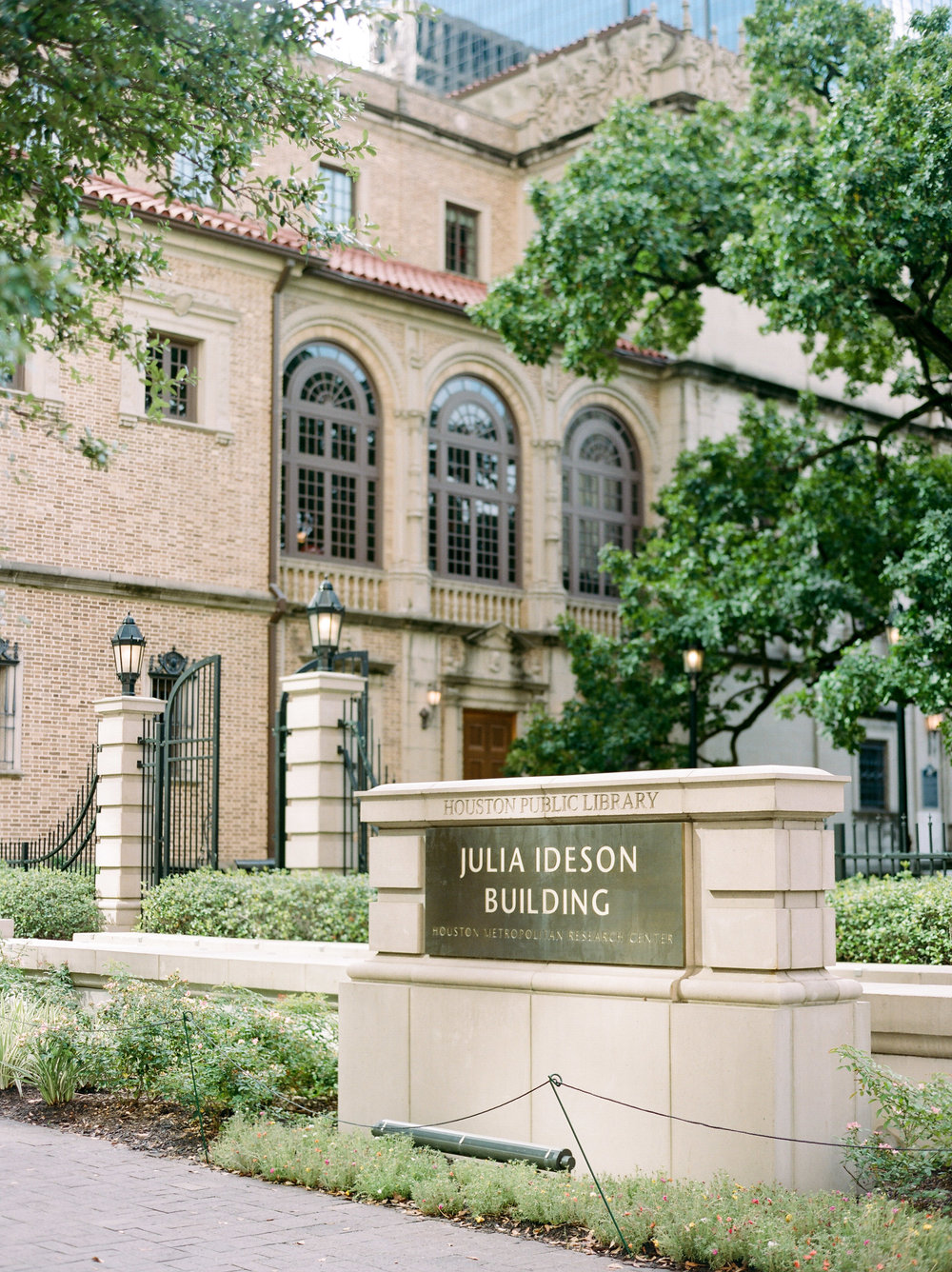 The-Knot-Texas-Fine-Art-Wedding-Film-Destination-Photographer-Houston-Austin-Dallas-New-Orleans-Julia-Ideson-Library-Event-Dana-Josh-Fernandez-Photograph-Top-Best-56.jpg