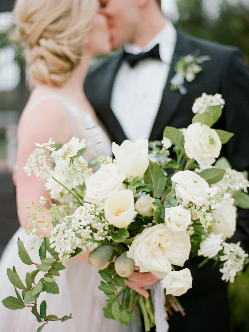 McGovern-Centennial-Gardens-Houston-Texas-Wedding-Venue-Josh-Dana-Fernandez-Photography-Film-Destination-Fine-Art-Luxury-Top-Best-Austin-Dallas-Magnolia-Rouge-Jennifer-Laura-Design-7.jpg