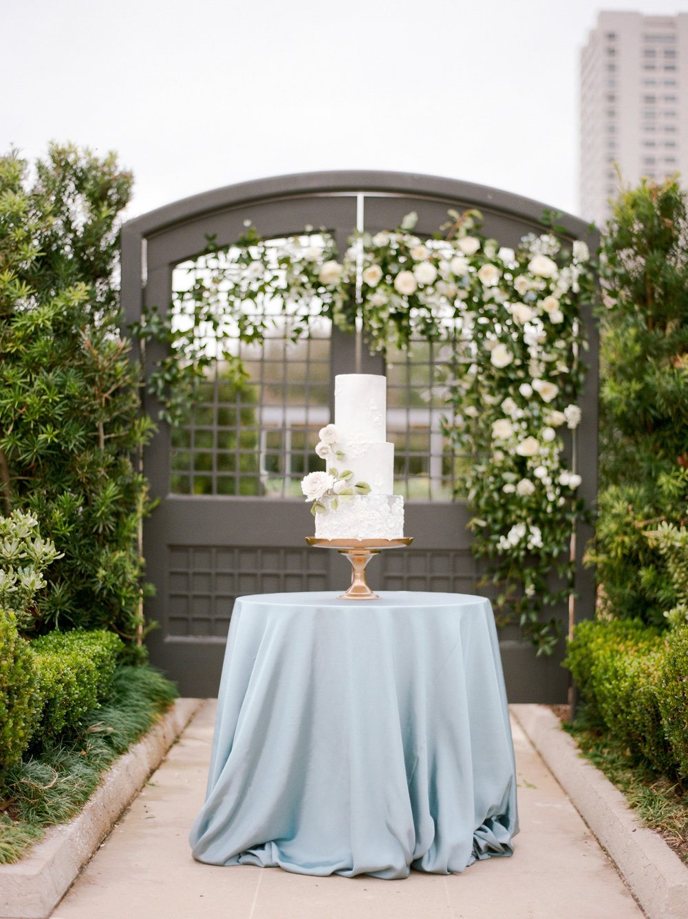 McGovern-Centennial-Gardens-Houston-Texas-Wedding-Venue-Josh-Dana-Fernandez-Photography-Film-Destination-Fine-Art-Luxury-Top-Best-Austin-Dallas-Magnolia-Rouge-Jennifer-Laura-Design-212.jpg