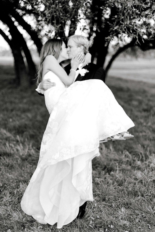 Escondido-Golf_Lake-Club-Hill-Country-Houston-Wedding-Photographer-Best-Top-Luxury-Destination-Engagements-Portrait-Austin-Photography-41.jpg
