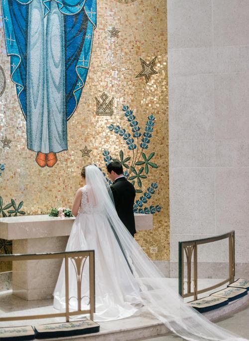 St-Michaels-Catholic-Church-Houston-Wedding-Ceremony-Josh-Dana-Fernandez-Photographer-Destination-Austin-Dallas-Fine-Art-Film-110.jpg