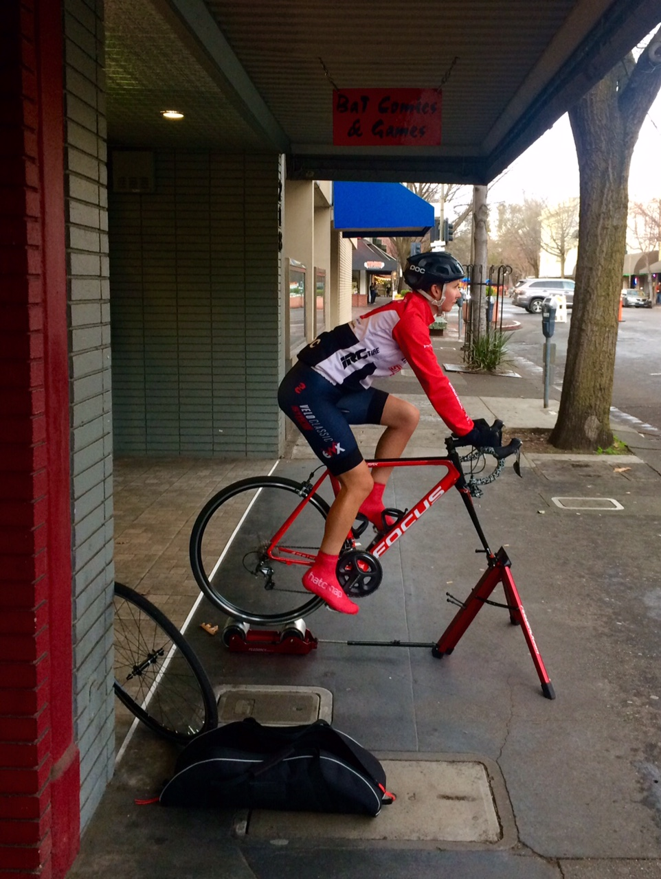Kristen warming up for the crit on her Feedback Sports Omnium portable trainer.