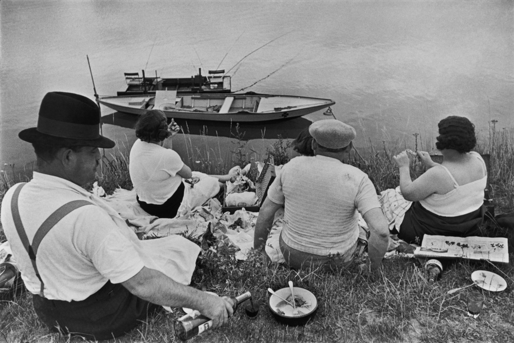 Sunday on the banks of the Marne, 1938  Henri Cartier-Bresson