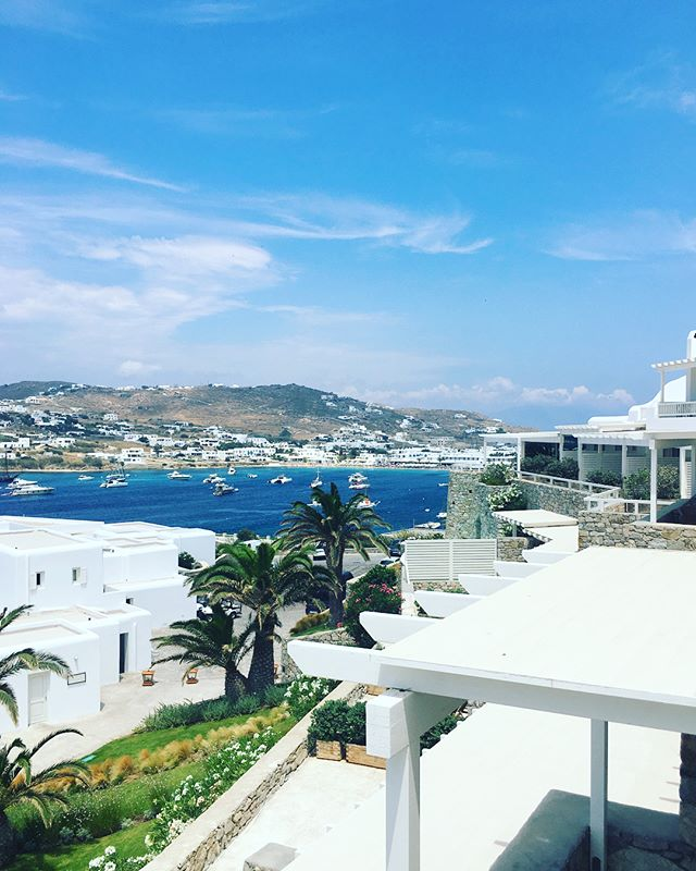Missing Mykonos #TBT especially missing the island lifestyle of having breakfast at 11am, lunch at 4pm, beach/wine/napping in-between. #mykonos #travelpics #traveldiary #greece #inspo @santamarinamykonos @scorpiosmyk @nammosmykonos