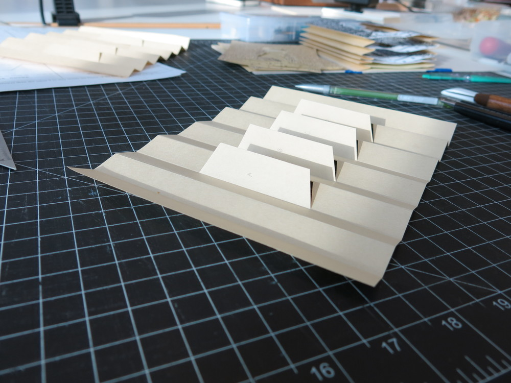 Folded accordion support for the tunnel.