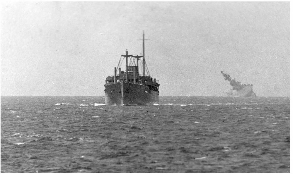All sizes  HMS Eagle Sinking  Flickr - Photo Sharing! - Google Chrome_2013-03-11_15-21-20.jpg