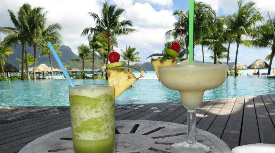 Bora Bora_Drinks on the Ocean.jpg