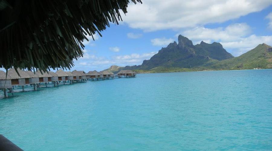 Bora Bora Huts.jpg